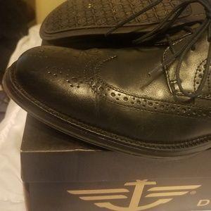 Docker Wingtip Oxford dress shoes